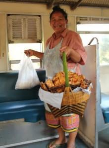 עוף צלוי לנוסעי הרכבת