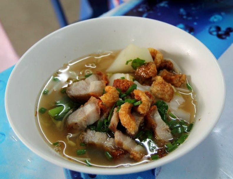 מרק אטריות בקו פנגן