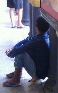 כסא ממוחזר בתחנת הרכבת