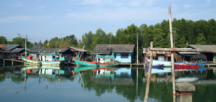 כפר דייגים על אחד מחופי טראט